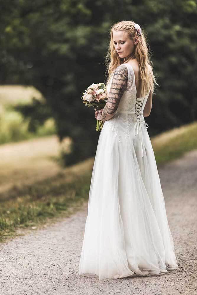 Braut mit Brautstrauß in Wunstorf Hochzeitsfotograf Hannover Seelze
