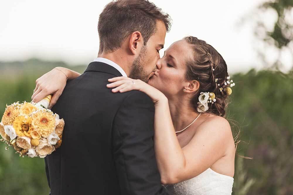 Brautpaarshooting Hochzeitsfotograf Hannover Seelze Brautstrauß