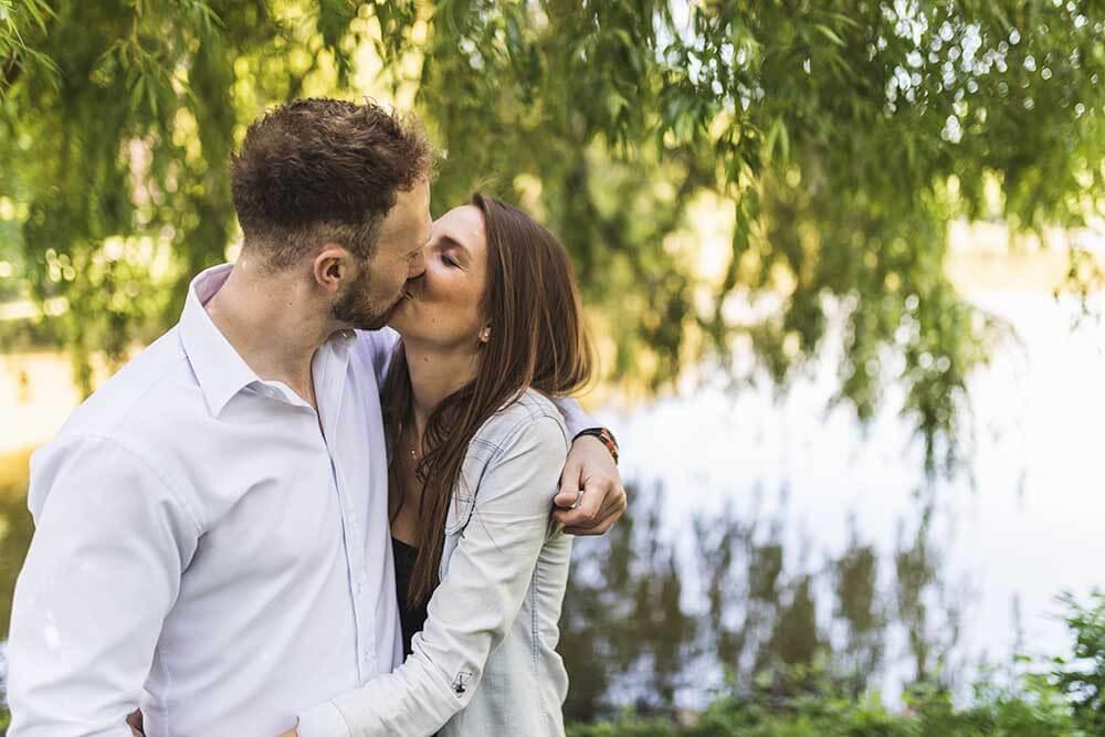 Engagementshooting in Hannover am Maschpark Hochzeitsfotograf Seelze